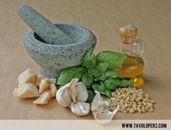 millefoglie-di-melenzane-con-pesto-olive-pinoli-e-parmigiano