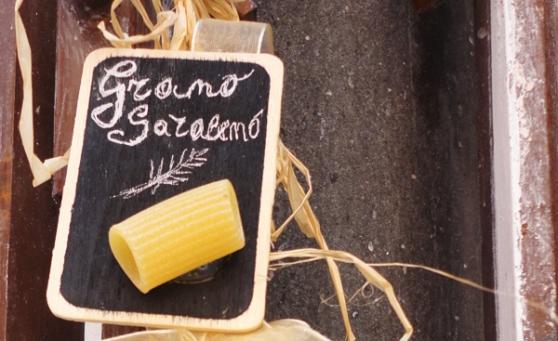 Grano-Saraceno-amalfi-piazza-duomo-tavoloper2